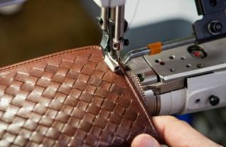 ココマイスター 職人の縫製